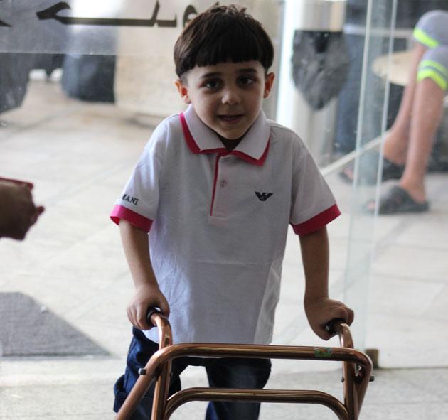 Fireårige Mustafa er en af de mange forældreløse børn på grund af krigen i Syrien