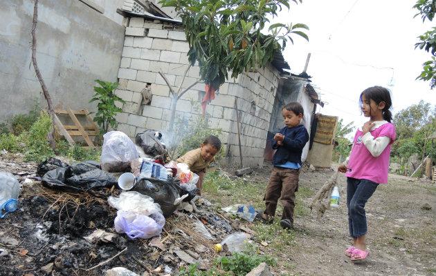 Børn i  Ain el-Helweh-lejren i Saida i Libanon