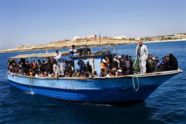 Foto: Bådflygtninge ankommer til Lampedusa fra Libyen. © Jorge Dirkx