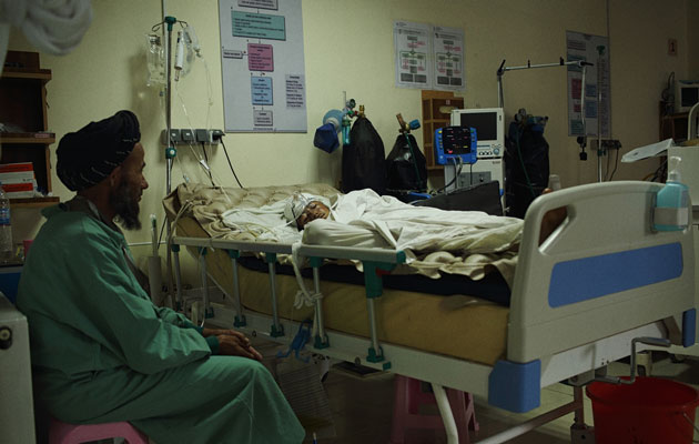 Vores hospital i Kunduz i Afghanistan er pludselig blevet en del af frontlinjen. © Andrew Quilty/Oculi