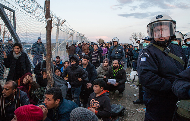 Syriske flygtninge er strandet på grænsen mellem Grækenland og Makedonien