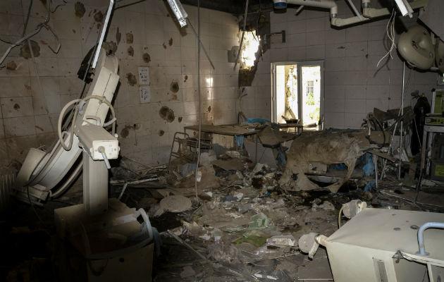 Dette er resterne af den operationsstue, hvor vores kirurg Evangeline Cua  opererede, da bomberne faldt over vores hospital i Kunduz, Afghanistan. © Dan Sermand/Læger uden Grænser