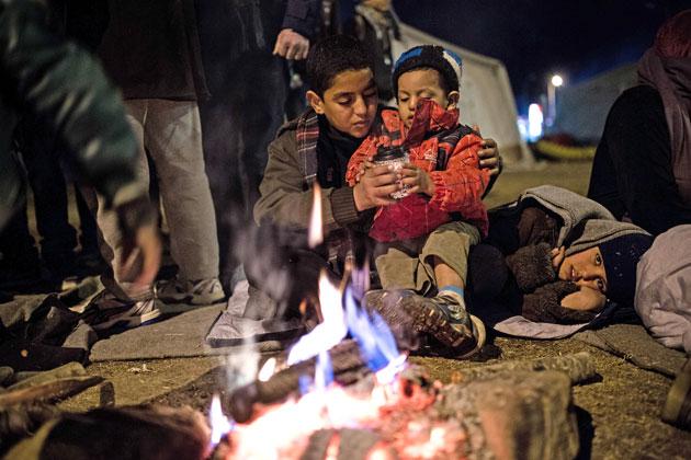 """Salim og hans lillebror på flugt fra Syrien. """"Jeg vil ikke sove her, jeg vil væk"""""""