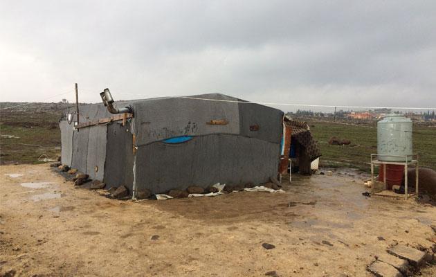 Et primitivt telt i det nordlige Libanon, hvor Kasper fra Læger uden Grænser har været udsendt