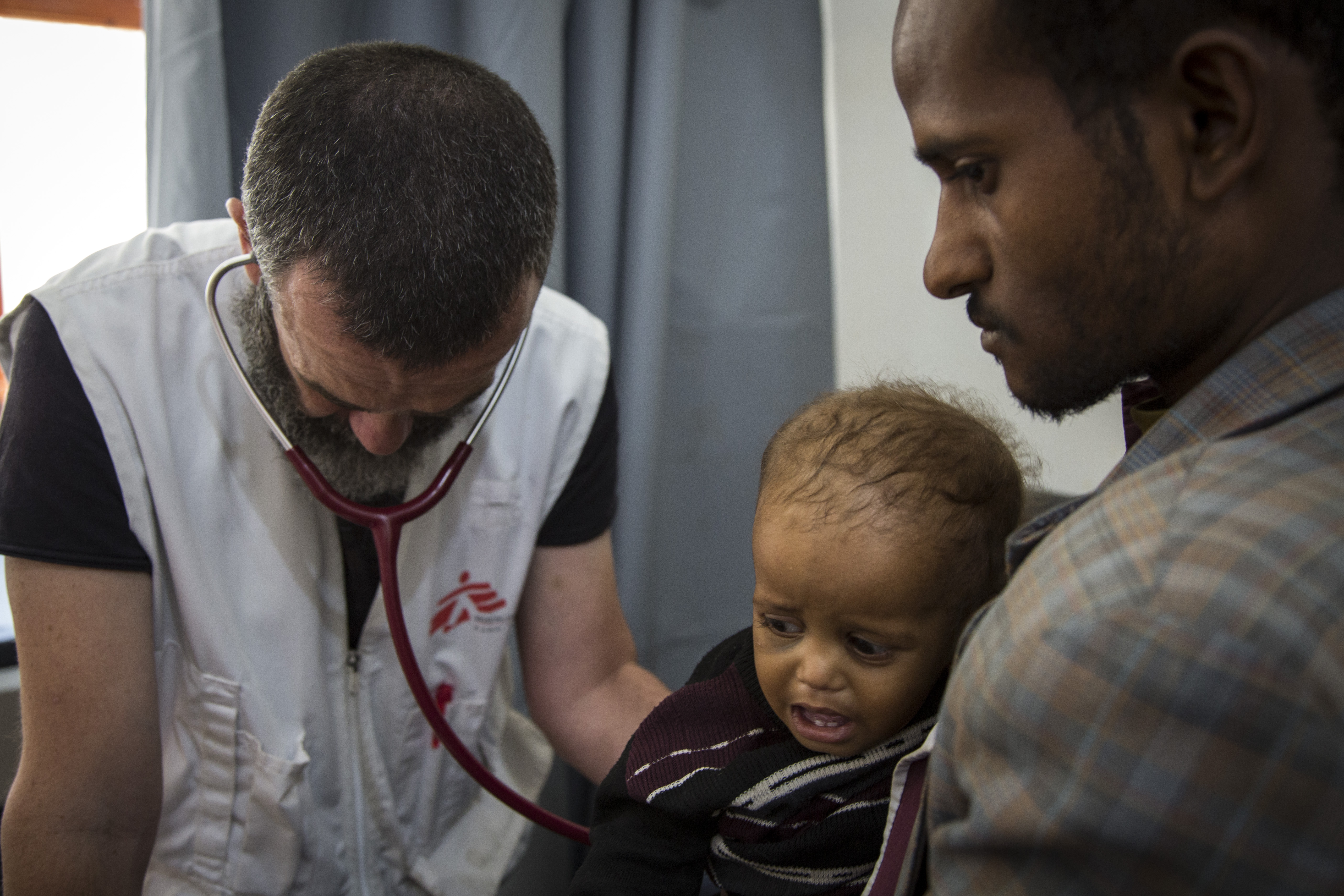 Det er svært for flere udviklingslande at få adgang til medicin. For eksempel er prisen på vaccine mod lungebetændelse alt for høj for mange lande.