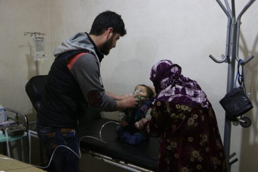 Læger uden Grænser (MSF) optrapper lægehjælp og uddeling af tæpper og telte i Idlib i Syrien
