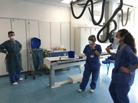 Vi bekæmper coronavirus i Italien.