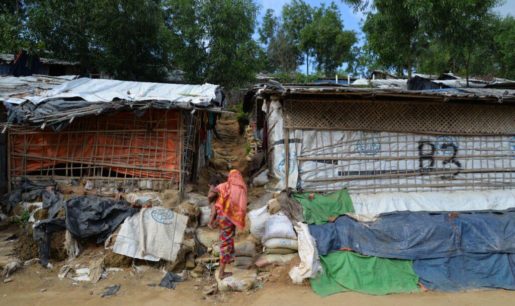 Læger uden Grænser (MSF) hjælper rohingyaer i flygtningelejre i Bangladesh