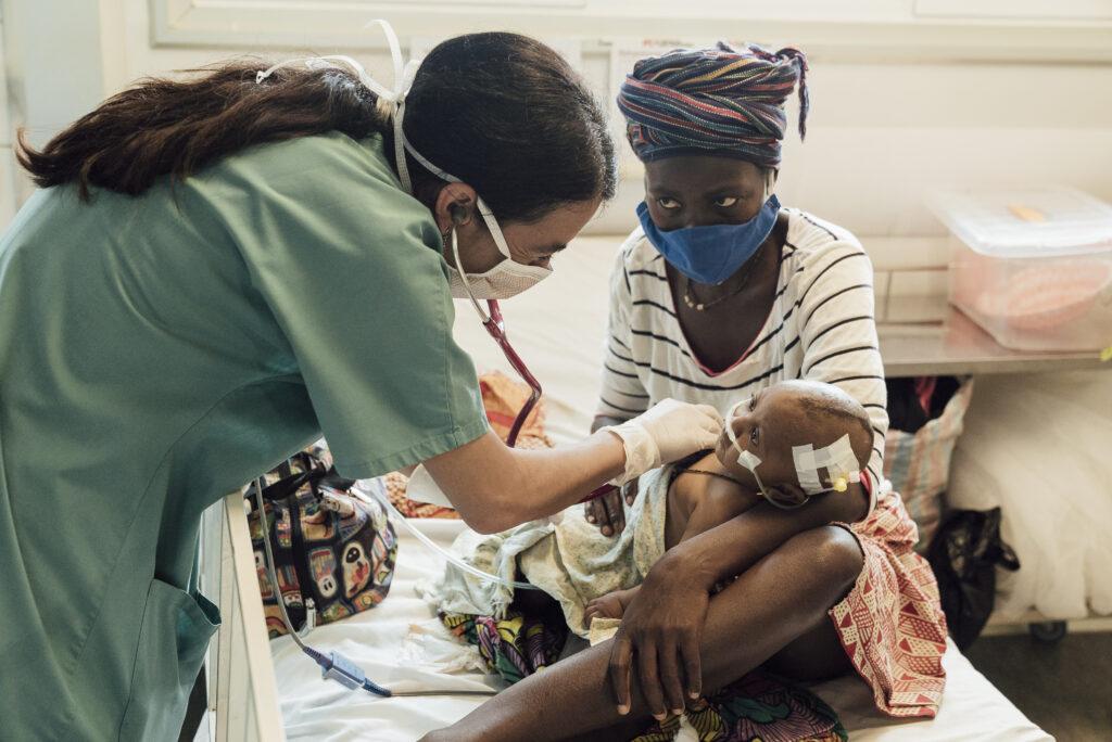Frygt for COVID-19 holder folk fra hospitalet