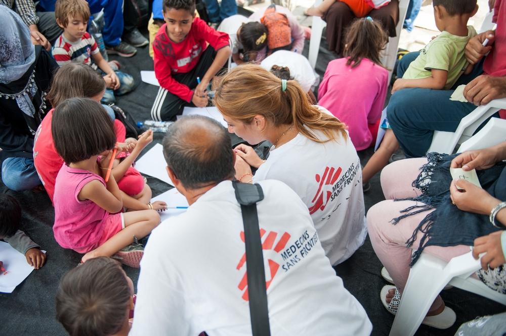 Læger uden Grænser hjælper flygtninge på Lesbos og Samos